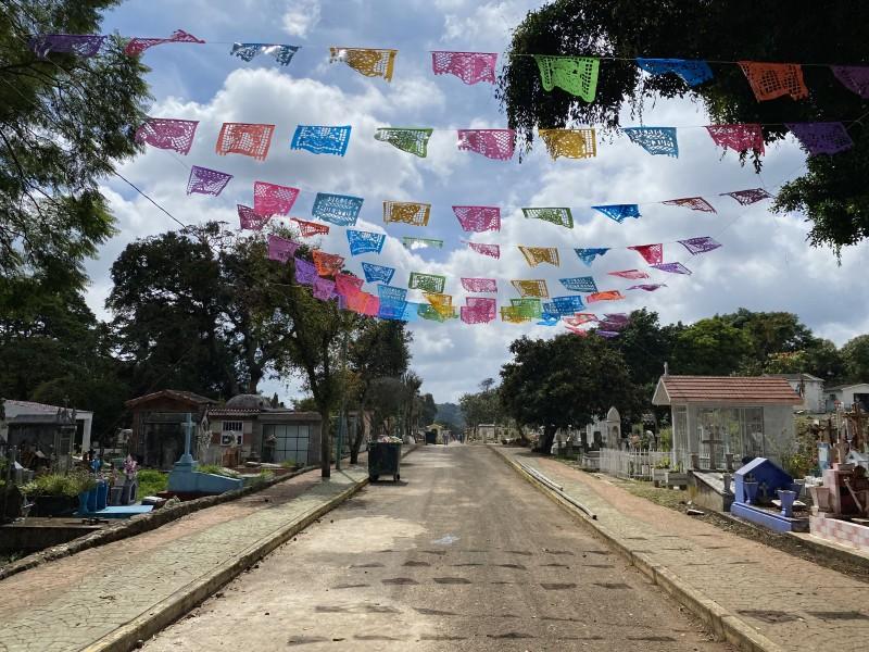 ¿Abrirán panteones de Xalapa en Día de Muertos?
