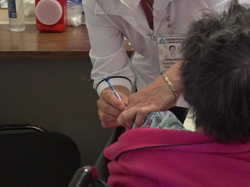 Abuelitos de zonas rurales son vacunados contra el Covid