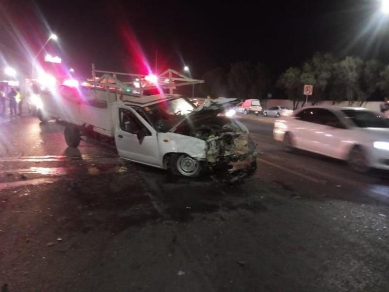 Accidente automovilístico deja 4 lesionados