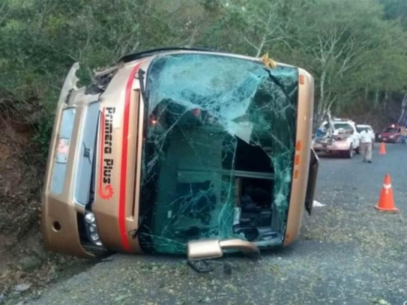 Accidente carretero deja 14 heridos en Jalisco