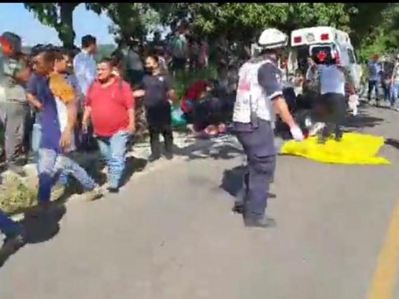 Accidente carretero en Chiapas deja 3 muertos y 17 heridos