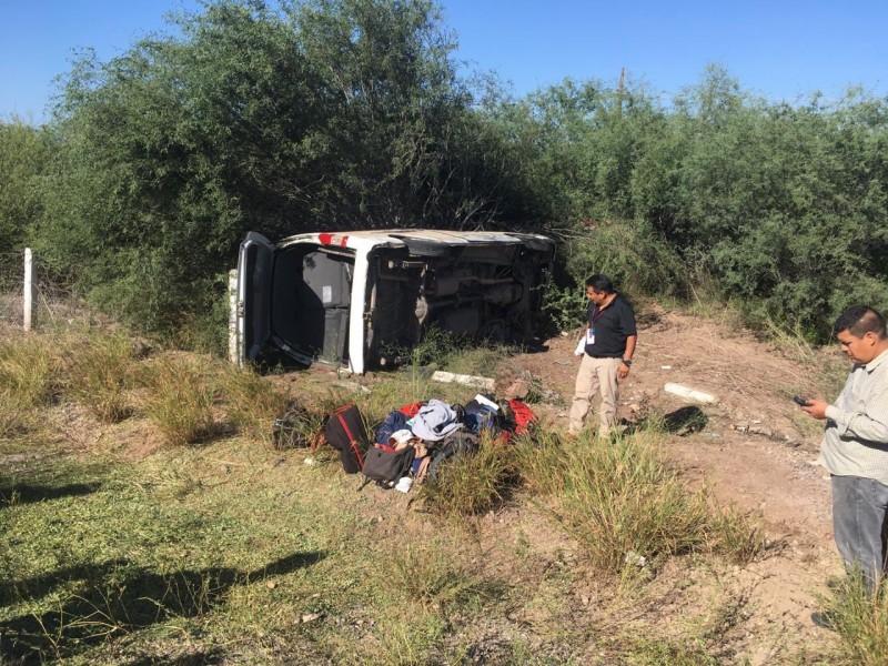 Accidente de camioneta con reporteros que cubren presidencia