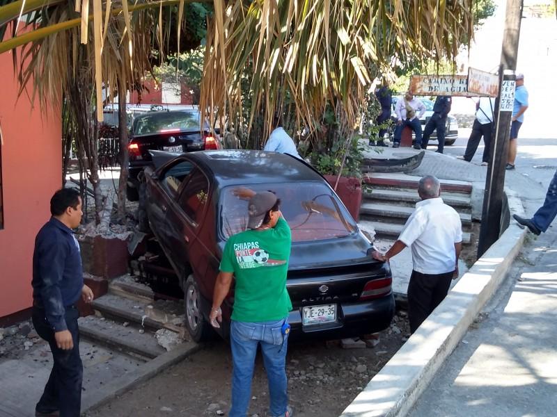 Accidente deja daños materiales en Tuxtla Gutiérrez