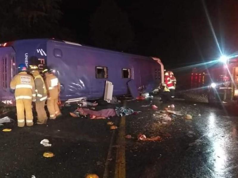 Accidente en la Marquesa deja 10 muertos y 25 heridos
