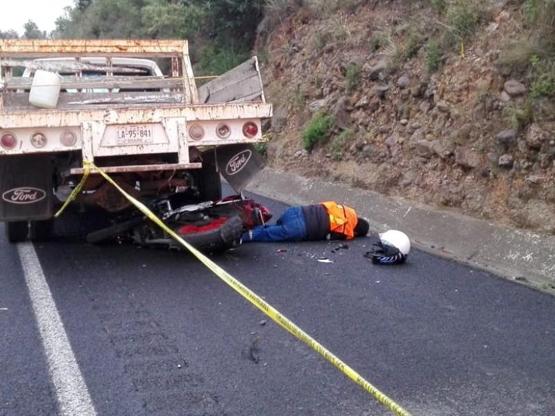 Accidentes complican circulación en Edomex; muere motociclista
