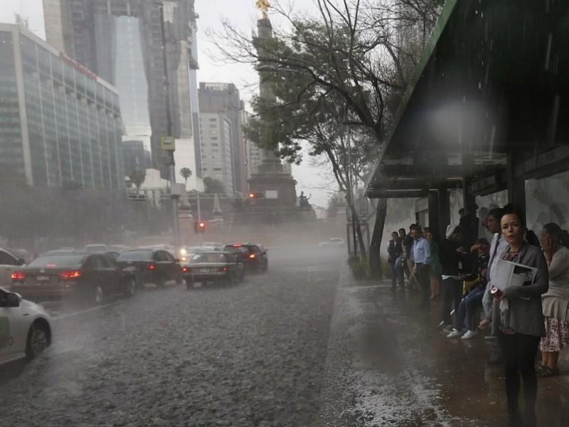 Activan alertas en la Cdmx por fuertes lluvias