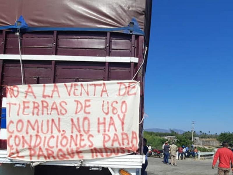 Activan bloqueo carretero en el Istmo, afectada carretera Transístmica Juchitán-Tehuantepec