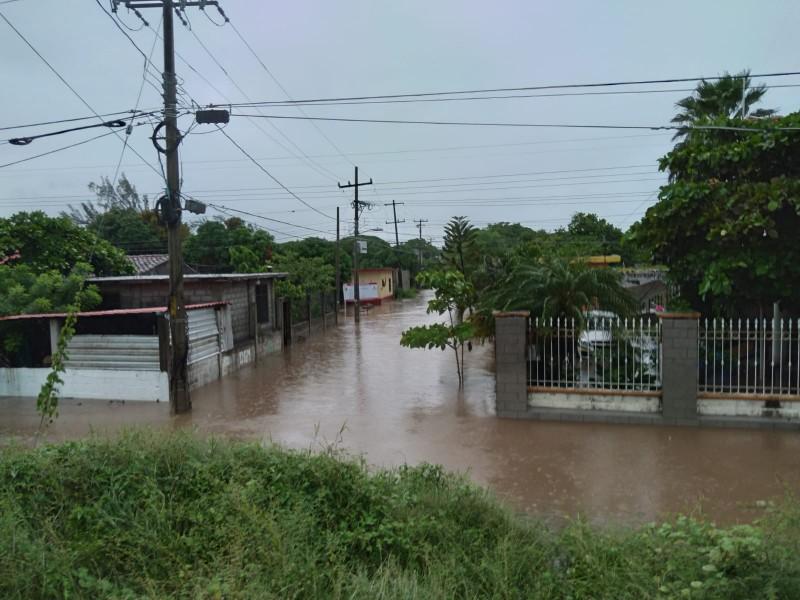 Activan protocolos de ayuda por lluvias en Juchitán