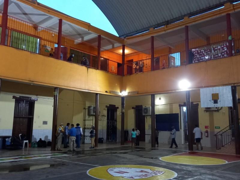 Activan refugio para familiares de pacientes del Hospital Civil Tuxpan