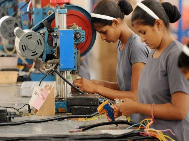 Actividad económica aumenta 4.5% en abril: INEGI