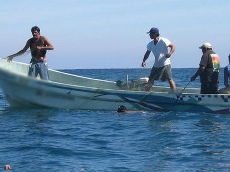 Actividad pesquera se paraliza por mal tiempo
