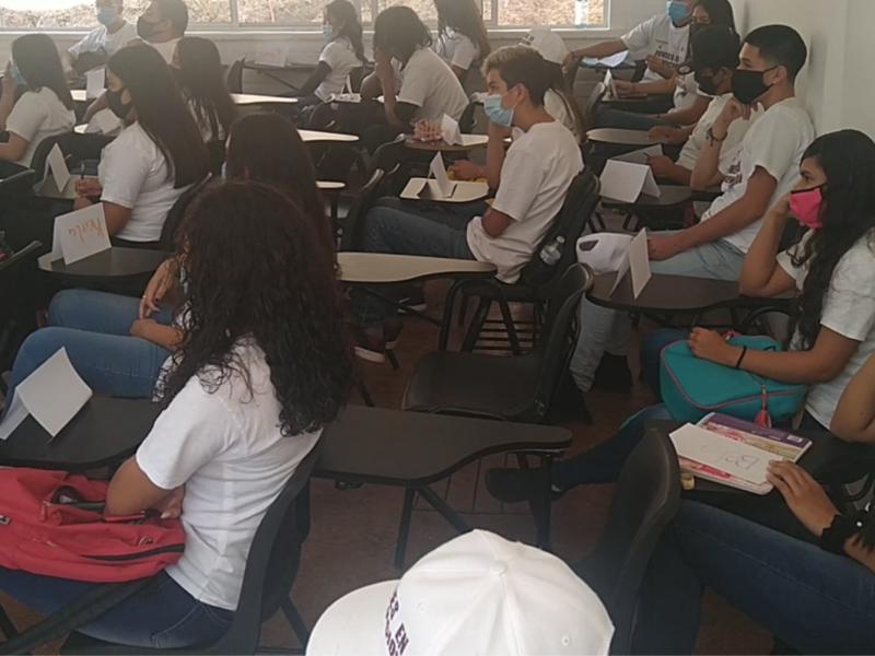 Actividades deportivas y talleres en programa jóvenes en prevención