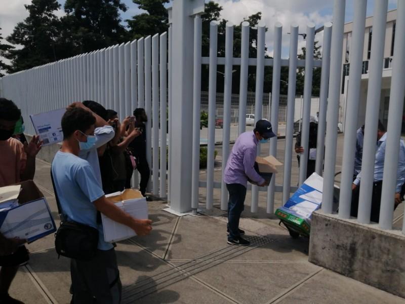 Activistas pro-migrantes promueven ante Tribunales Federales juicios de garantía