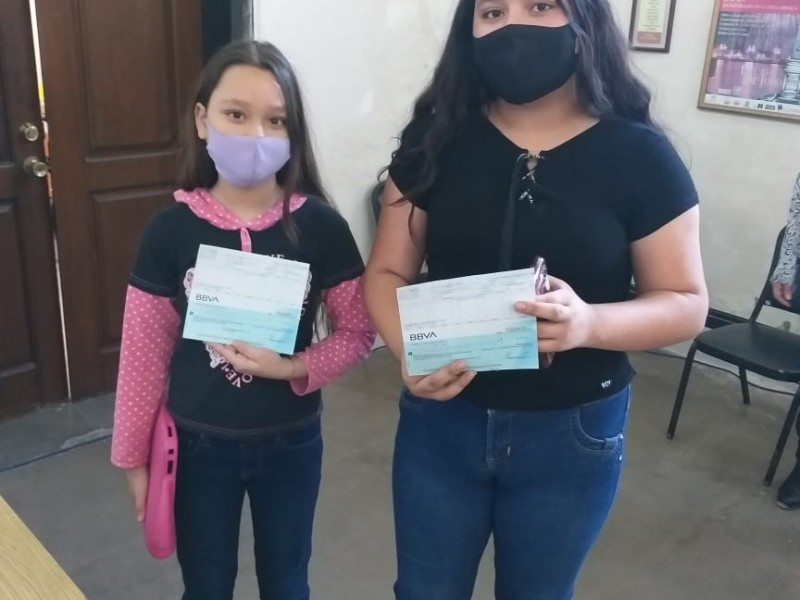 Acuden alumnos de Guaymas-Empalme por becas