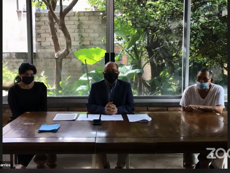 Acusa Rodrigo González complicidad de Fiscalía con ex funcionarios nayaritas