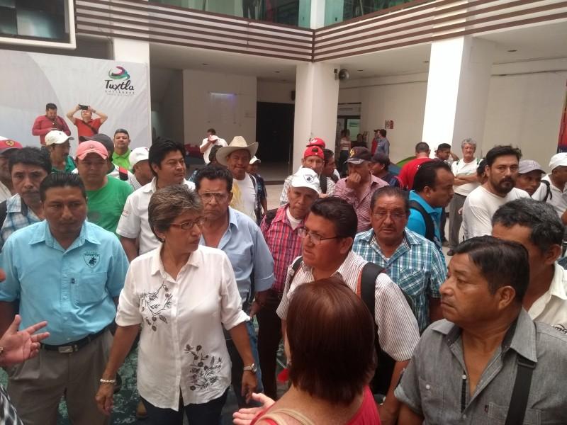 Adeuda ayuntamiento más de 10MDP a trabajadores
