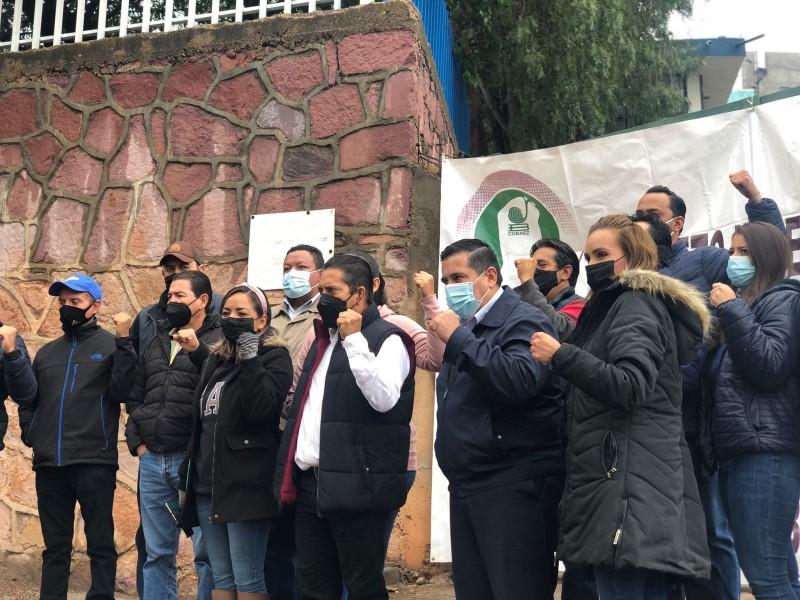 Adeudan 25 mdp a docentes y administrativos del Cobaez