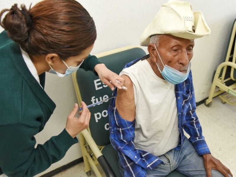 Adultos mayores de la Laguna no recibirán vacunas Covid