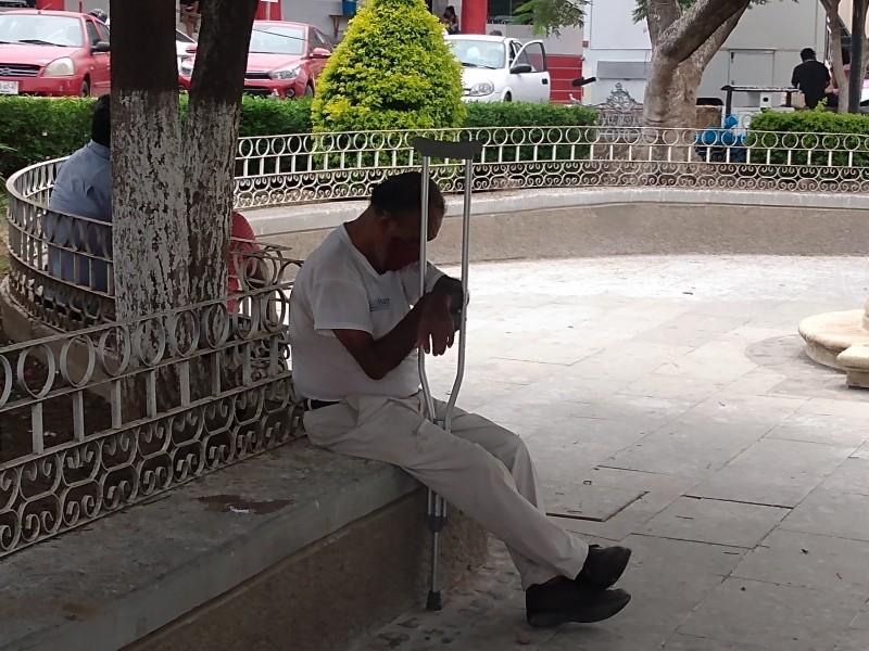 Adultos mayores sin recibir notificación para vacuna Covid en Tehuantepec
