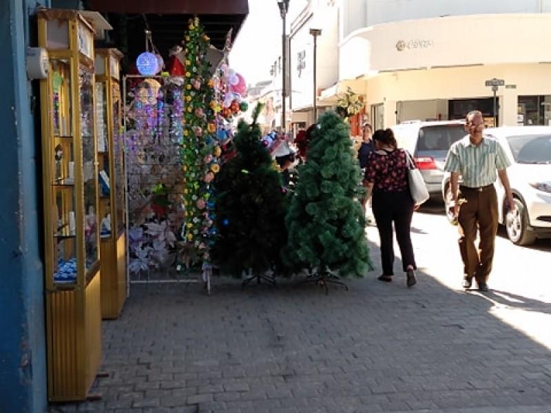 Advierten posibles multas a comerciantes del centro histórico