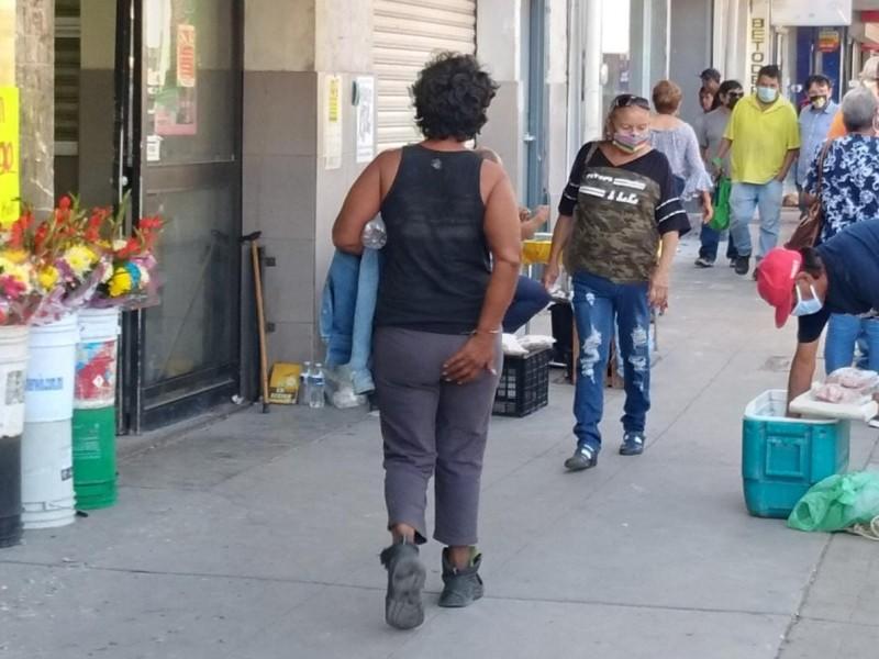 Advierten sobre indigente agresiva, reclaman atención de autoridades