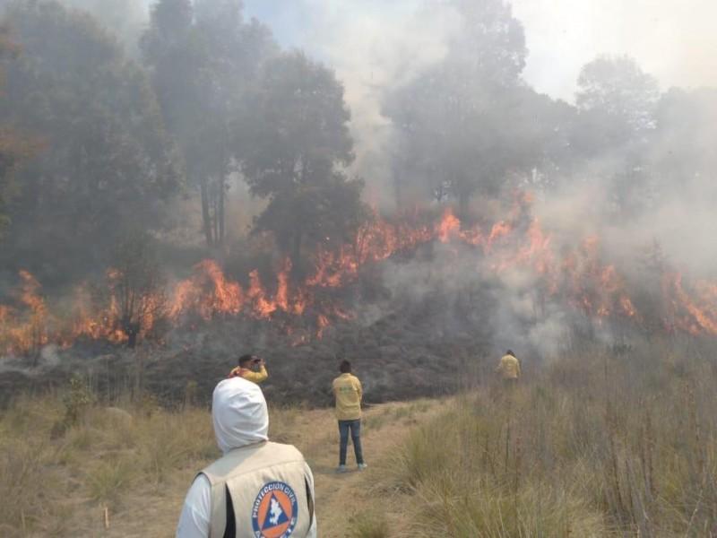 Aeronave coadyuva con incendio forestal del Baral