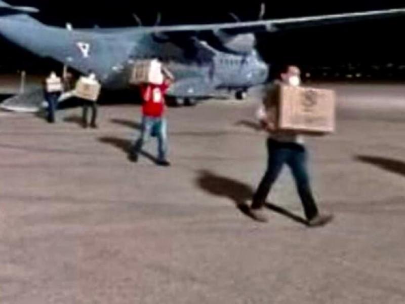 Aeronaves militares surcan cielo mexicano con esperanza de vida
