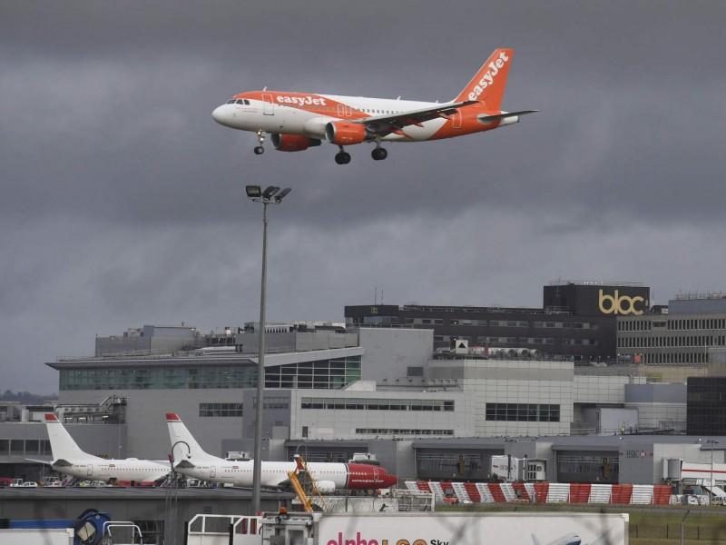 Aeropuerto de Gatwick reabre tras caos por drones
