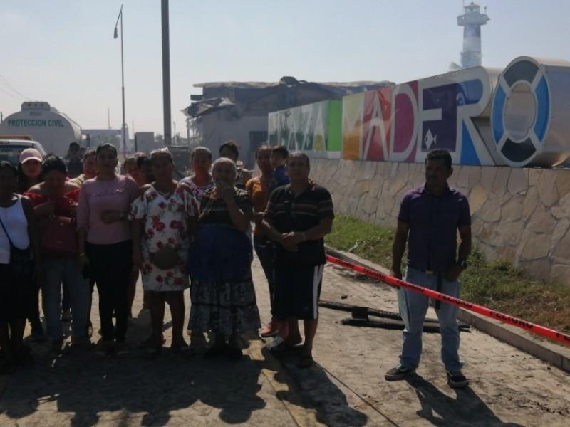 Afectados por incendio en Plaza Madero piden apoyo