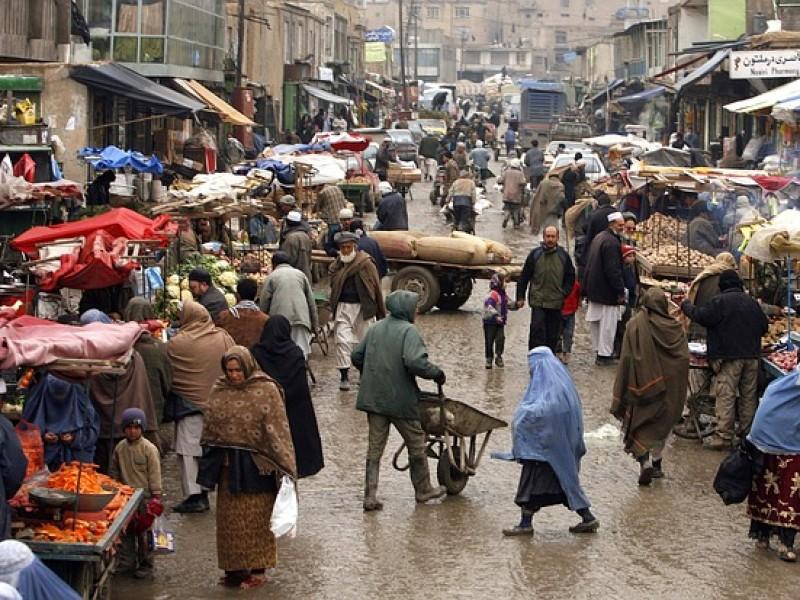 Afganistán, sin gobierno a tres semanas de los Talibanes