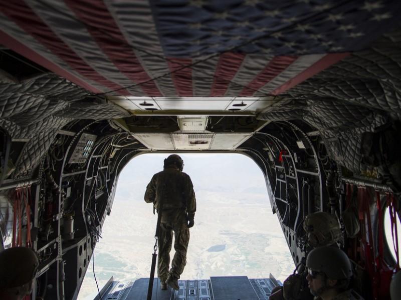 Afganistán toma control de principal base estadounidense tras su retirada