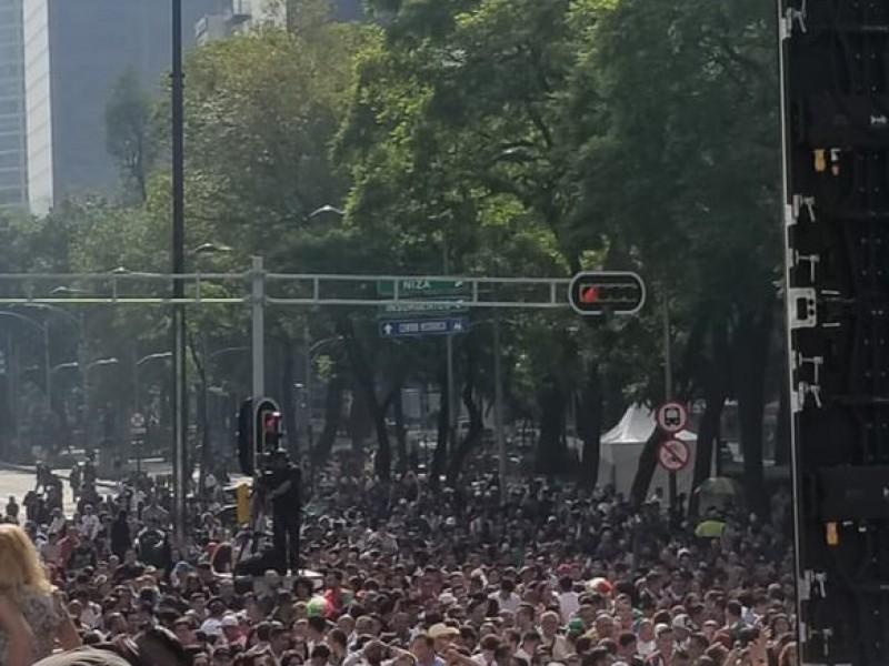 Aficionados ahogan gritos de gol en el Ángel