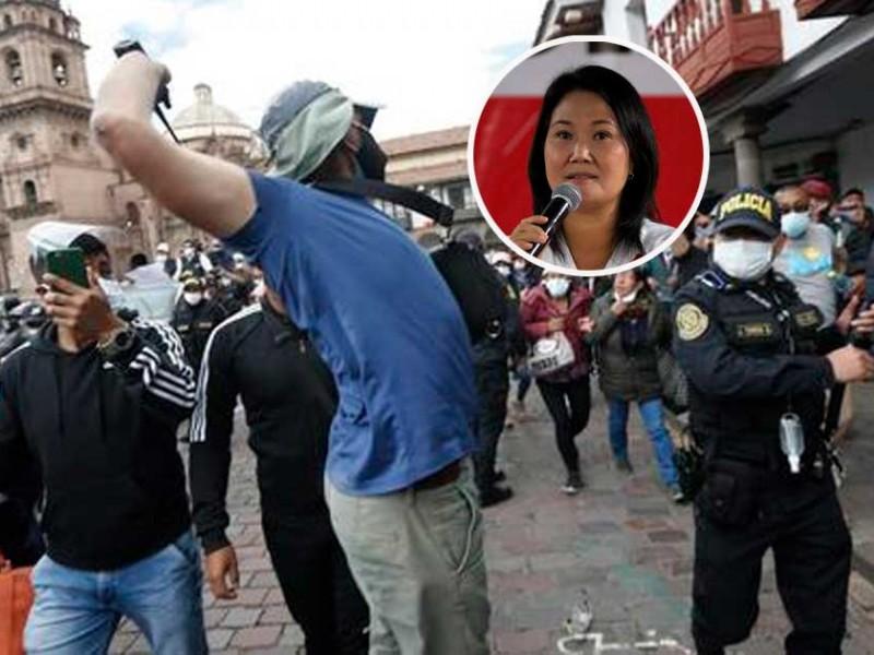 Arrojan basura a comitiva de candidata Keiko Fujimori