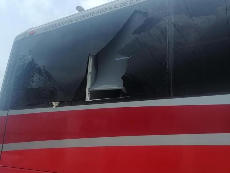 Agreden en la Amozoc-Perote, autobuses de trabajadores de AUDI