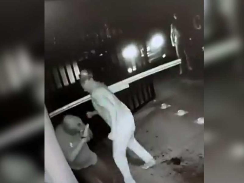 Agresor de vigilante acepta haberlo golpeado