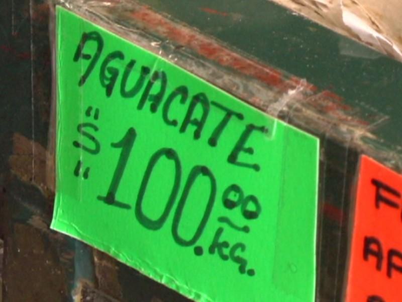 Aguacate se vende hasta en 100 el kilo