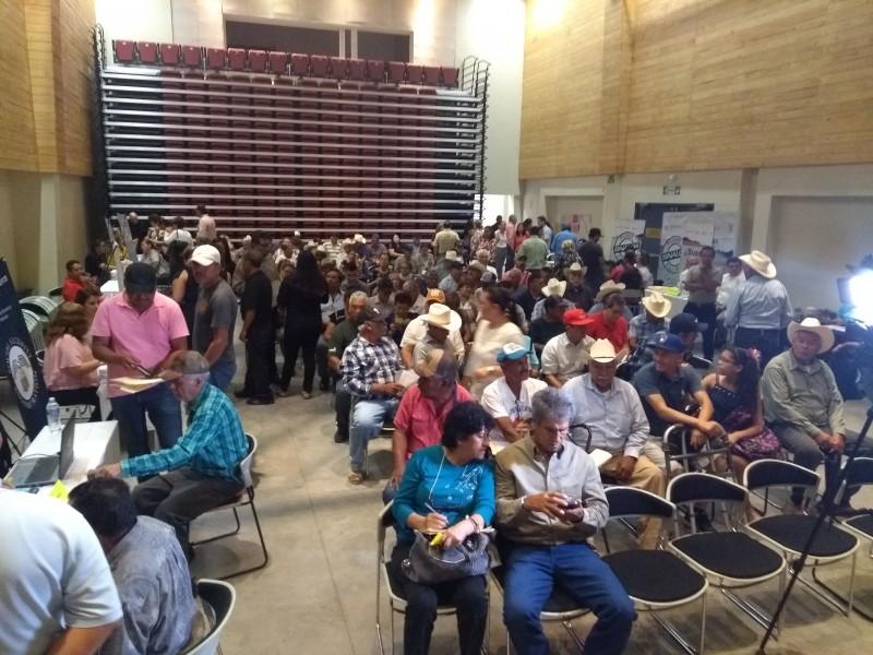 Ahomenses acuden a Expo Consular Sinaloa