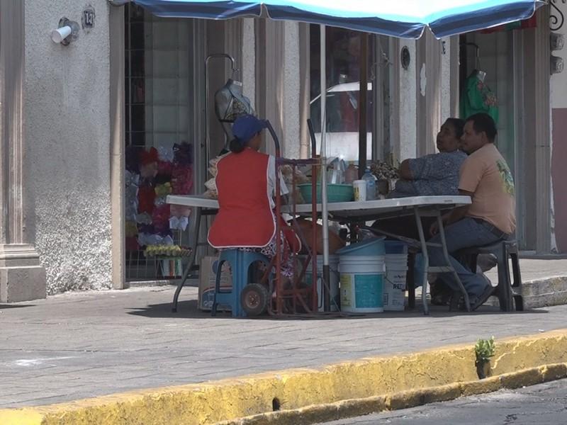 Aislamiento social afecta a comerciantes ambulantes del Centro de Colima