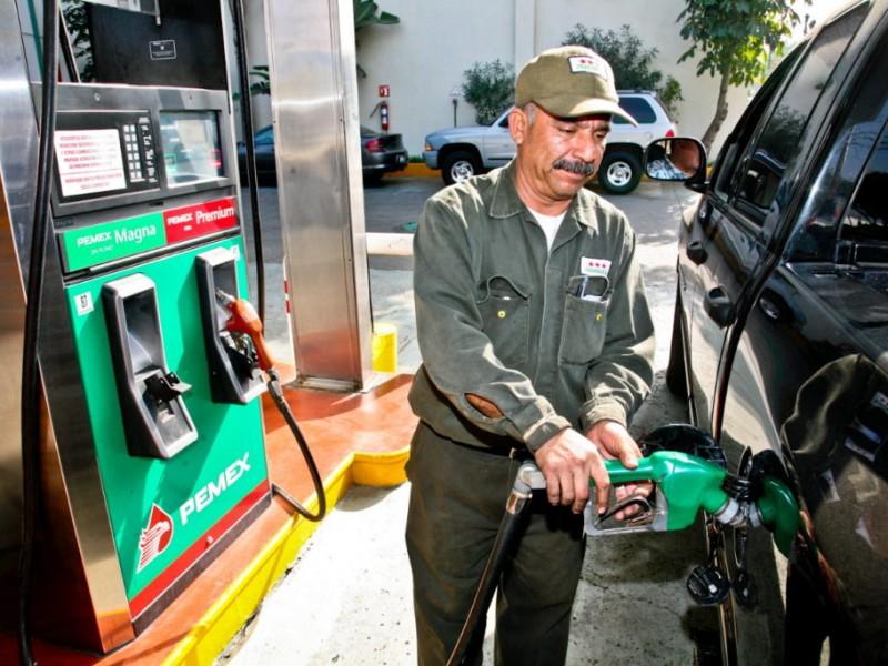 Ajuste al IEPS de gasolinas no aumentará precios:Hacienda