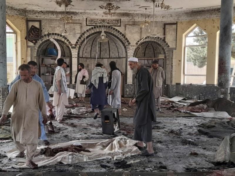 Al menos 80 muertos por explosión en mezquita de Afganistán