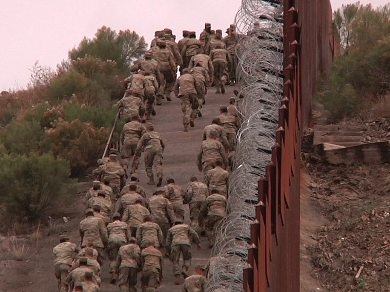 Alambre de púas para reforzar muro fronterizo