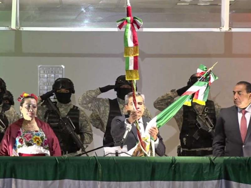 Alcalde de Cuautitlán Izcalli rompe cordón de campana