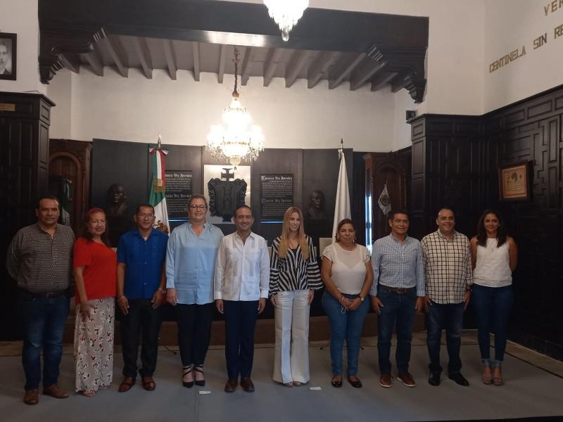 Alcalde de Veracruz inicia proceso de transición con Patricia Lobeira