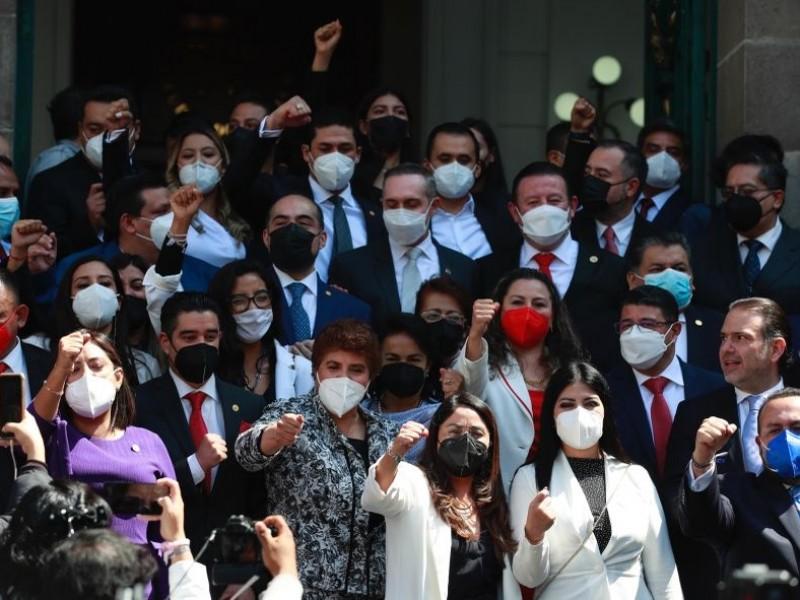 Alcaldes electos rinden protesta en el Congreso de CDMX