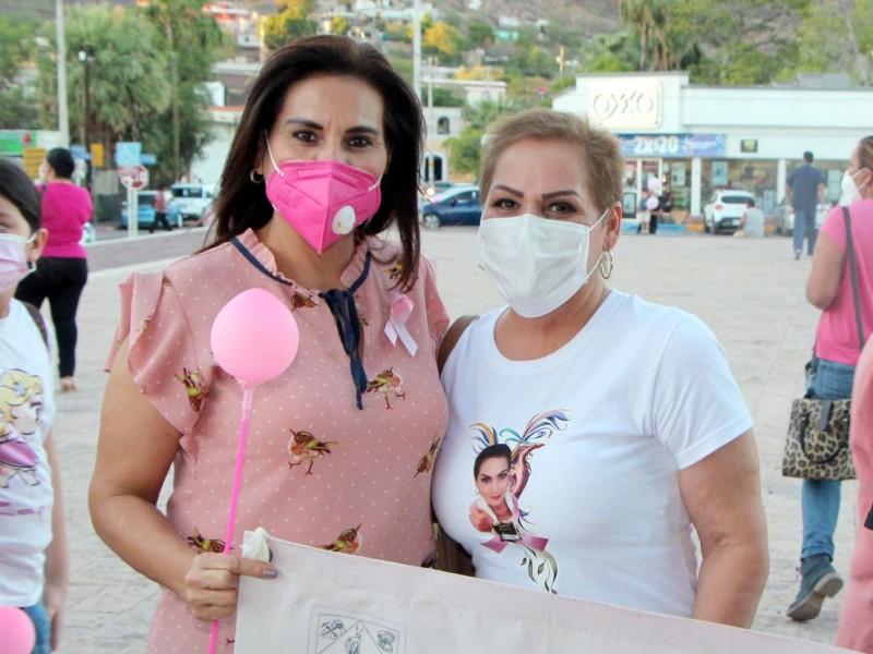Alcaldesa se suma a marcha contra el cáncer de mama
