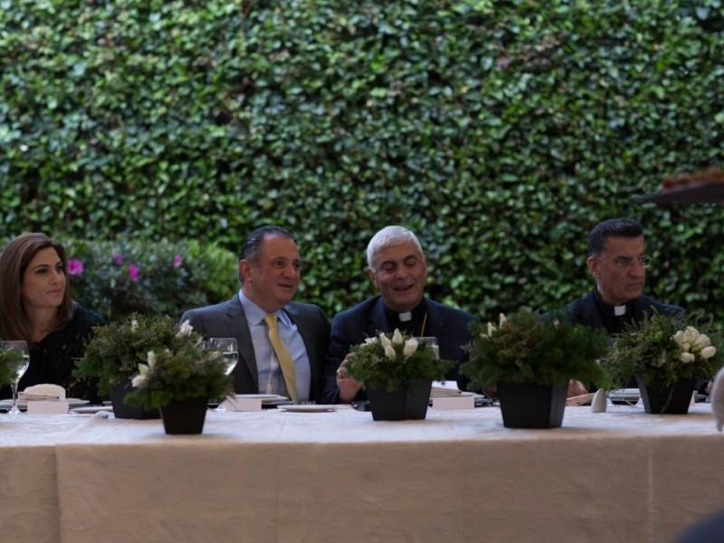 Alejandro Rassam Baroudi ofrece comida en honor al patriarca Boutros