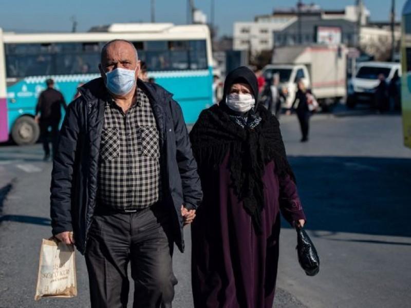 Alerta Irán por Covid-19; van 7 mil muertos