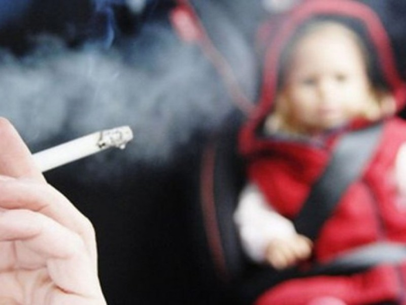 Alertan a fumadores pasivos