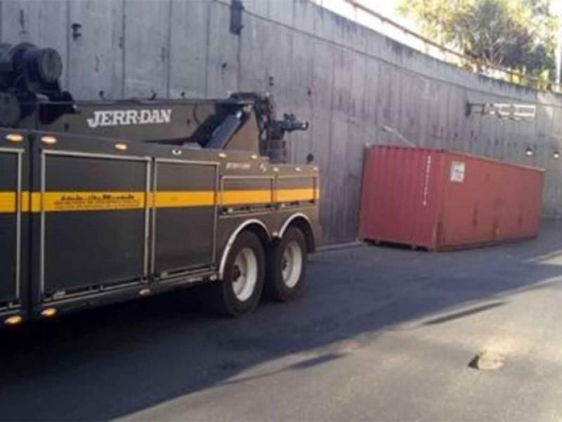 Alertan por incidente con tráiler en Circuito Interior