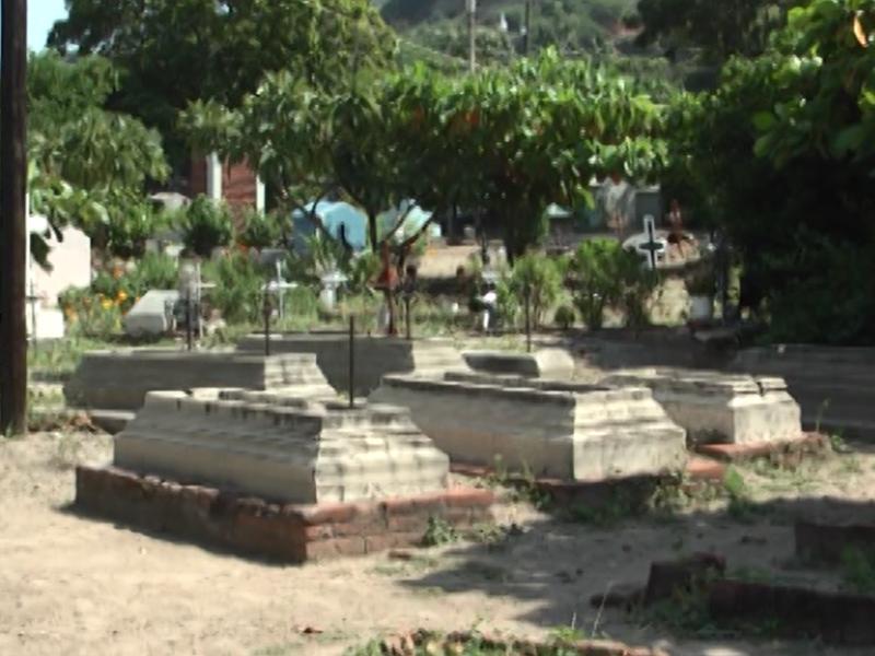 Alistan panteón de San Pedro Huilotepec